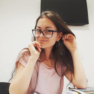 Kate  - cursuri de engleză